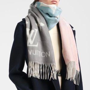 Louis Vuitton Bleu Rose Reykjavik Gradient Scarf